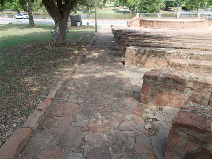 Shannon-Springs-Park-Amphitheater-Stone-Aisle